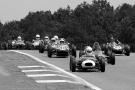 66 Brabham BT6 - 5 Lola mk2 - 68 Wainer - 48 Lotus 18 - 83 Lotus 22